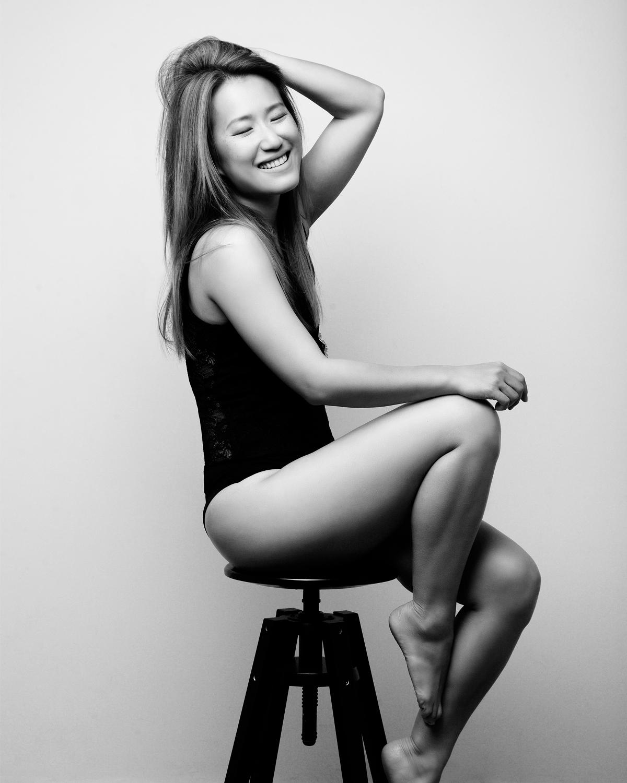 Photo Shoot What's up with Amanda  Amanda_Hsu_2798 Black and White with Simplicity