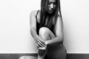 Photo Shoot What's up with Amanda  Amanda_Hsu_2893-480x600-300x200 Black and White with Simplicity