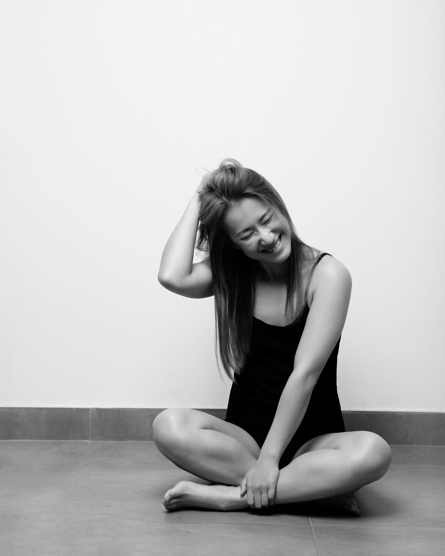 Photo Shoot What's up with Amanda  Amanda_Hsu_2906 Black and White with Simplicity