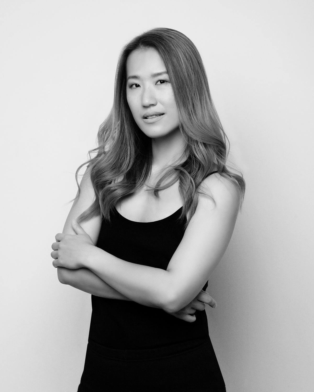 Photo Shoot What's up with Amanda  Amanda_Hsu_2991 Black and White with Simplicity