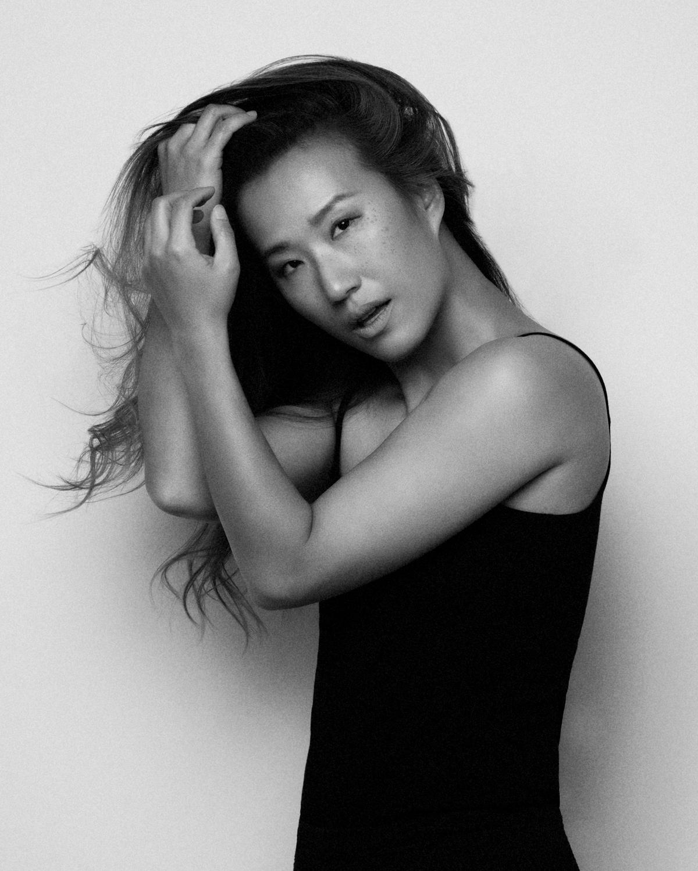 Photo Shoot What's up with Amanda  Amanda_Hsu_3065 Black and White with Simplicity