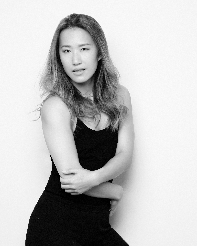 Photo Shoot What's up with Amanda  Amanda_Hsu_3079 Black and White with Simplicity