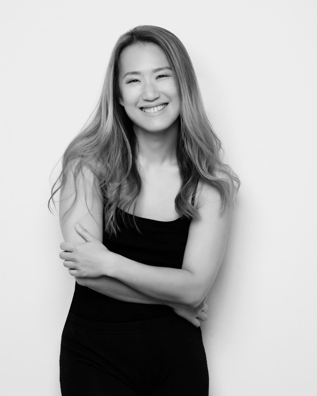 Photo Shoot What's up with Amanda  Amanda_Hsu_3101 Black and White with Simplicity